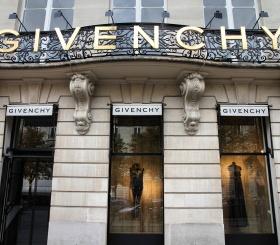 Кто стал новым креативным директором Givenchy?