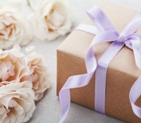 ТОП-10 недорогих подарков на 8 марта