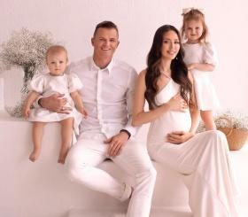 Дмитрий Тарасов и Анастасия Костенко ждут третьего ребёнка